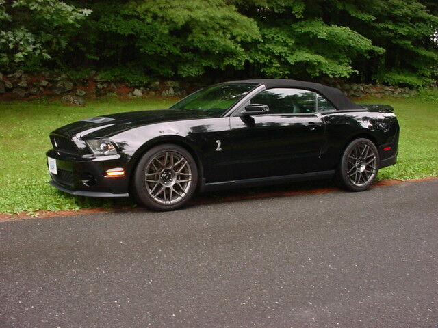 2012 shelby gt500 convertible svt performance package 1841 miles used ford mustang for sale in. Black Bedroom Furniture Sets. Home Design Ideas
