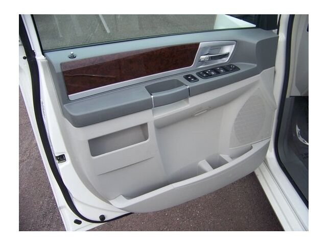 Image 11 of Touring 3.8L CD Front…