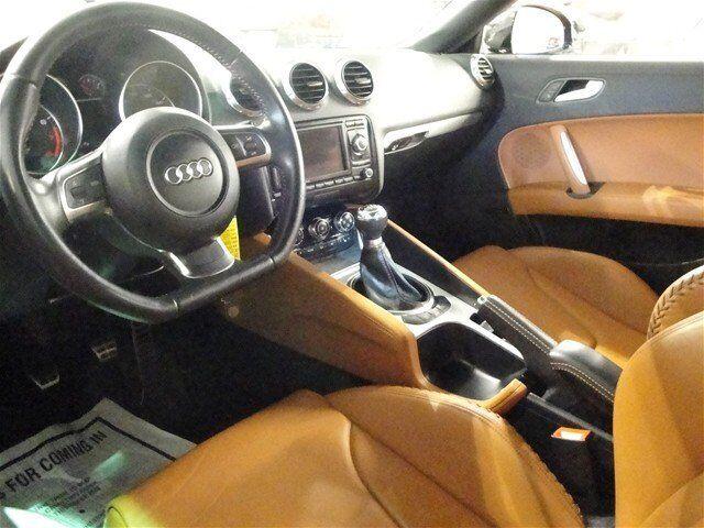 3.2L Manual Convertible CD AWD Traction Control Alarm Black