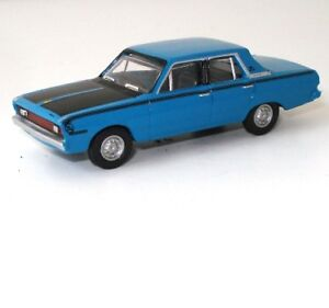 HO-GAUGE-1971-VALIANT-VG-PACER-DIECAST-IN-DISPLAY-CASE