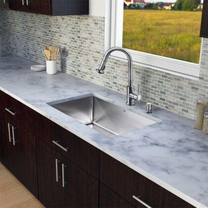 moderne spülen für die küche: neue design-trends und materialien, Kuchen deko