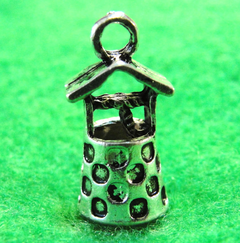 10pcs. Tibetan Silver 3d Wishing Well Charms Pendants Earring Drops Pr101