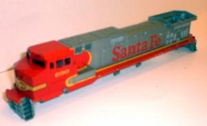 Athearn-Santa-Fe-Dash-9-44CW-690-Shell