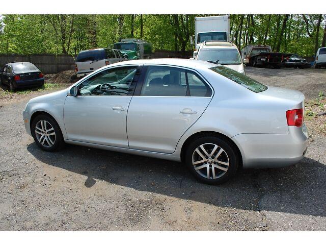 Image 4 of 2006 VW VOLKSWAGEN JETTA…