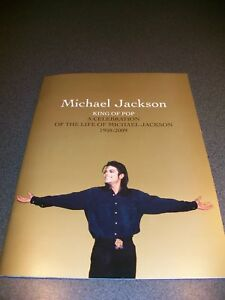 MICHAEL JACKSON OFFICIAL MEMORIAL FUNERAL GOLD PROGRAMME RARE MINT CONDITION