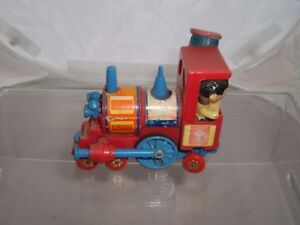 CORGI-MAGIC-ROUNDABOUT-PLASTIC-TRAIN-VINTAGE-SEE-PHOTOS