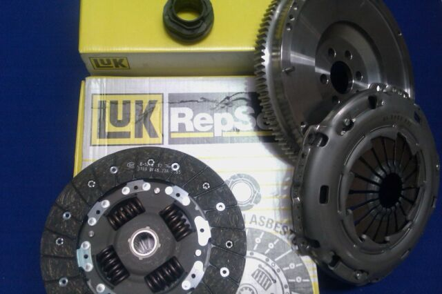 LUK DUAL MASS FLYWHEEL AND CLUTCH KIT FOR A NISSAN 350Z