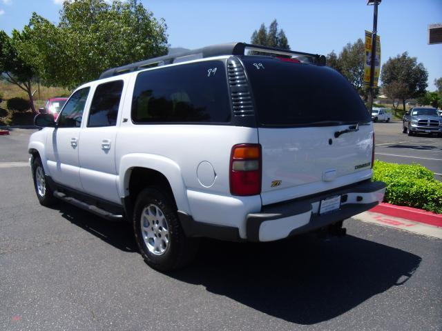 1500 4X4 SUV 5.3L CD Front Tow Hooks Aluminum Wheels