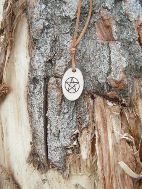 Das Pentagramm – Esoterikschmuck für Bann und Schutz