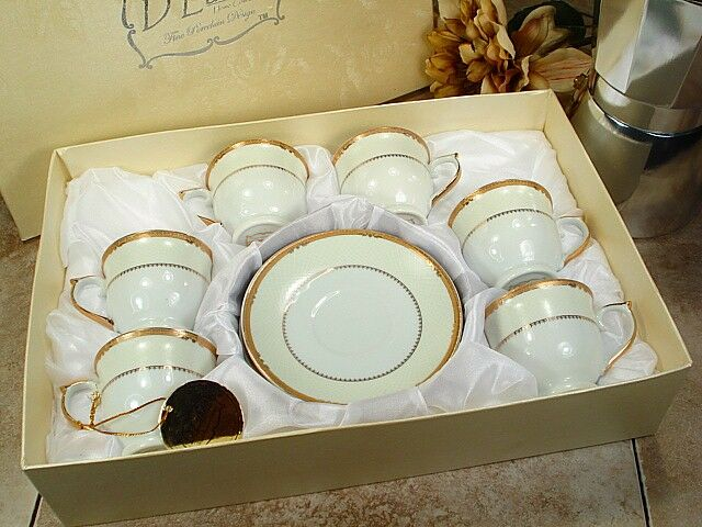 How to Buy Cups and Saucers