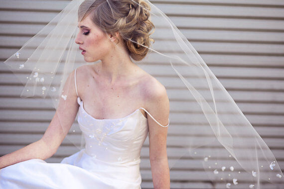 A Scattered Rhinestone Veil Can Come In Several Different Shapes Styles Or Cuts Rhinestones Appear Like Small Cascading Sparkle Throughout