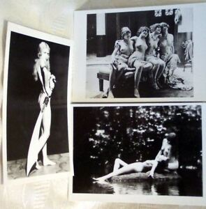 SET OF 3 POSTCARDS RISQUE EROTIC FREE UK P&P