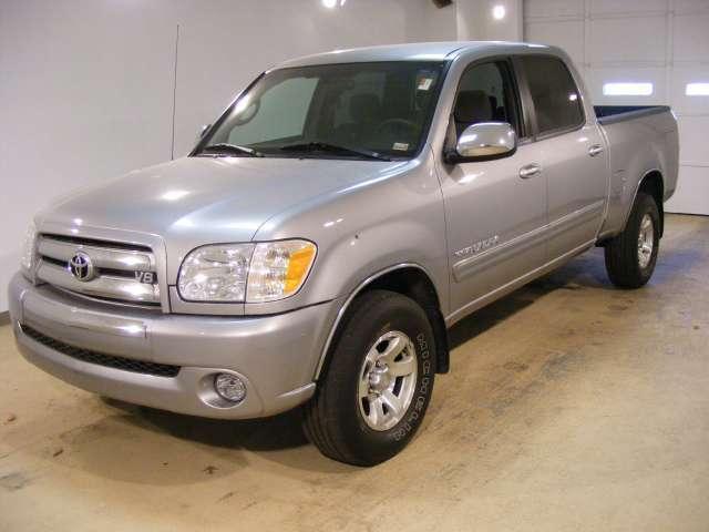 Imagen 4 de Toyota Tundra plateado