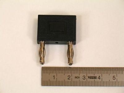 Kurzschlußstecker 4mm, 19mm Abstand mit Zusatzkontakt, schwarz