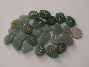 Aventurine-Rune-Stones-Chart-and-Cloth-Bag-eb831