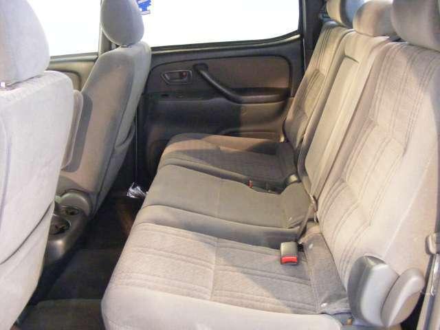 Imagen 6 de Toyota Tundra plateado