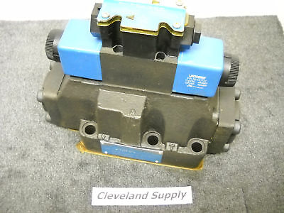 Vickers 02-126437 Directional Control Valve  New