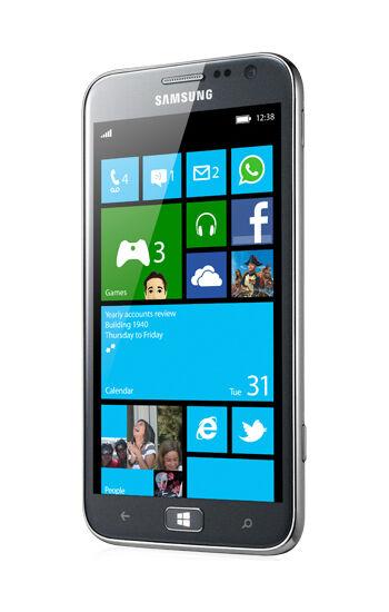 Samsung Ativ S mit brilliantem 12,19 cm AMOLED-Touchscreen und Windows