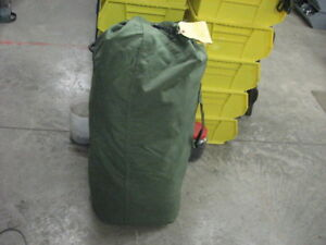 OD-green-nylon-duffle-bag-good-used-genuine-military