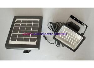 Faretto-da-esterno-a-Led-Bianchi-con-Pannello-Solare-e-Batterie-Autoricaricabili
