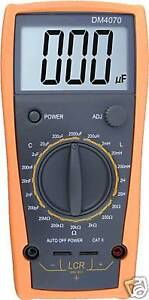 DM4070-LCR-meter-capacitance-2000uF-compared-w-FLUKE