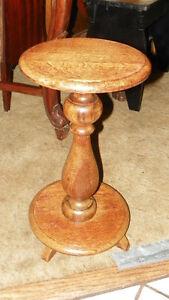 Solid-Quartersawn-Oak-Pedestal-Plant-Stand-PS68