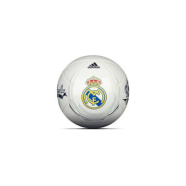 Your Guide to Buying Real Madrid Football Memorabilia