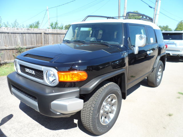 hail sale new 2013 toyota fj cruiser 4x4 4600 off msrp new toyota fj cruiser for sale in. Black Bedroom Furniture Sets. Home Design Ideas
