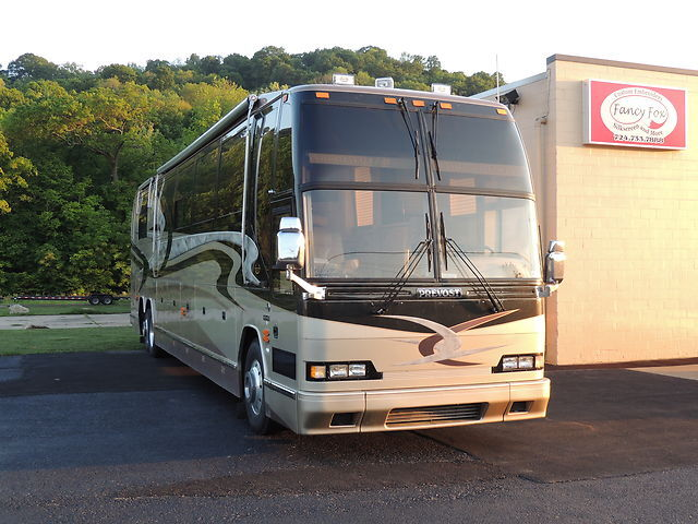Other Makes H345Marthon 2000 Prevost ABC Extreme home makeover bus from the TV show over the road Air