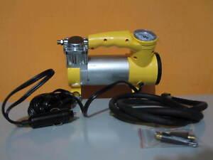 Mini compressore portatile presa 12v da auto moto barca for Mini compressore portatile per auto moto bici 12v professionale accendisigari