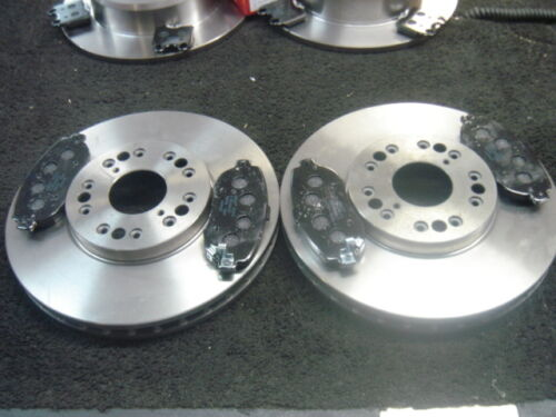 LEXUS IS200  FRONT BRAKE DISCS & PADS BRAND NEW BOXED