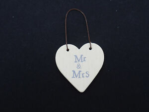 NEW EAST OF INDIA LITTLE HEART SIGN & GIFT TAGS
