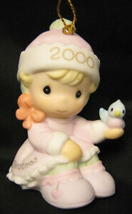 Precious Moments Girl Baby's First Christmas 2000 Ornament 1st Baby Bird 730092