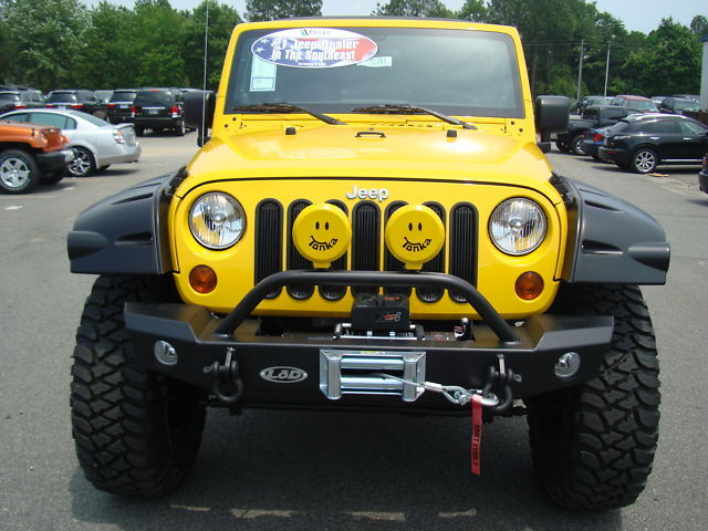 2011 JEEP WRANGLER UNLIMITED 4X4 TONKA ED LIFTED WHEELS