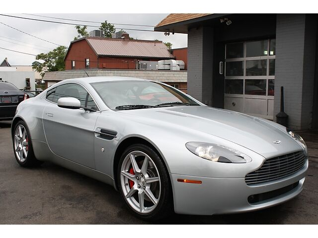 2007 aston martin v8 vantage coupe 6 speed only 23 000 miles beautiful car used aston martin. Black Bedroom Furniture Sets. Home Design Ideas