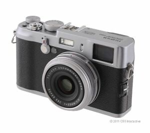 Fujifilm FinePix X100 12.3 MP Digital Ca...