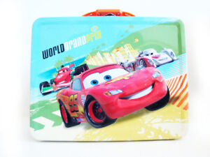 CARS 2 LIGHTNING MCQUEEN-WORLD GRAND PRIX TIN LUNCHBOX