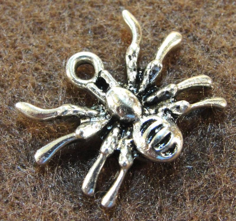 10pcs. Tibetan Silver Halloween Spider Charms Pendants Earring Drops In05