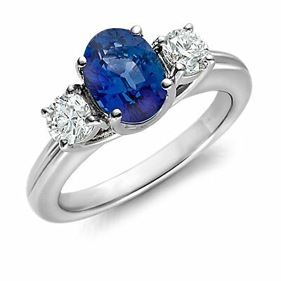 Your Guide to Buying a Sapphire and Diamond Ring