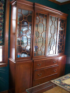 ANTIQUE-MAHOGANY-BREAKFRONT-CHINA-CABINET-SECRETARY-BOOKCASE