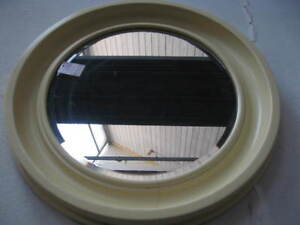 Specchio tondo plastica anni 70 ebay for Specchio unghia anni 70