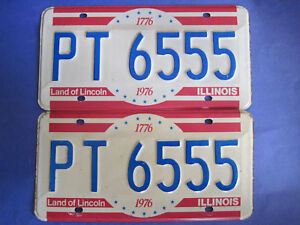 1976 Illinois Bicentennial Pair License Plates