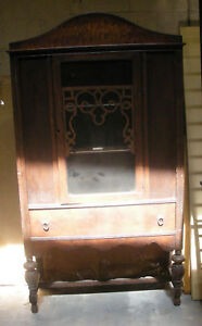 ANTIQUE-VICTORIAN-WOOD-CUPBOARD-HUTCH-CABINET-with-SKELETON-KEY