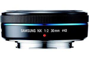 Samsung-EX-S30NB-30-mm-F-2-0-Lens-BRAND-NEW-EU
