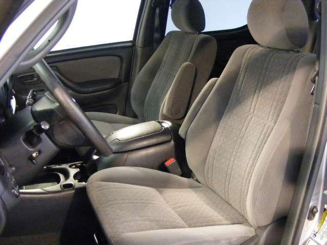 Imagen 3 de Toyota Tundra plateado