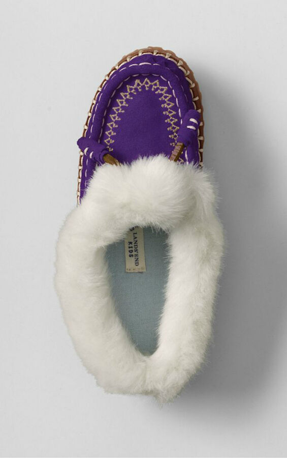 Your Guide to Buying Girls' Slippers