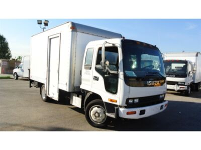 221141637885 on isuzu npr tow truck