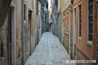 Anzardo Alley