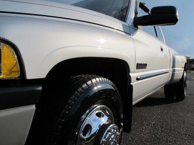 2002 Dodge RAM 3500 SLT Laramie DRW 5 9L Diesel 6 Speed 1 Owner Mint
