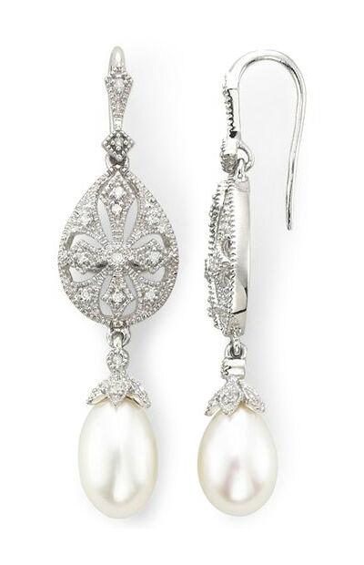 How to Buy Pearl Drop Earrings